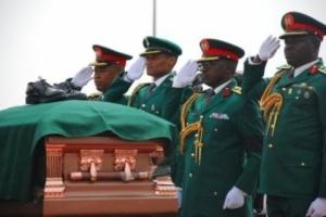 662742_Generals_salute_Ojukwu_jpge1fa48d006ab59289bfbc24b1e3e9ce0