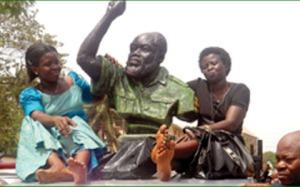 Emeka-Odumegwu-Ojukwu's-burial