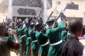 ojukwu-burial-gun-salute