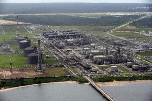 Biafra_Refinery36