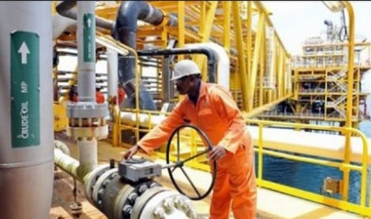 Biafra_Refinery39