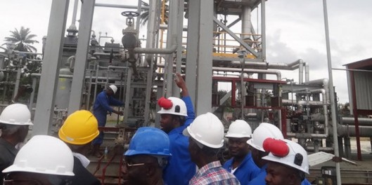 Biafra_Refinery40